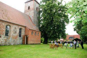 Waldfest an der Menzer Kirche